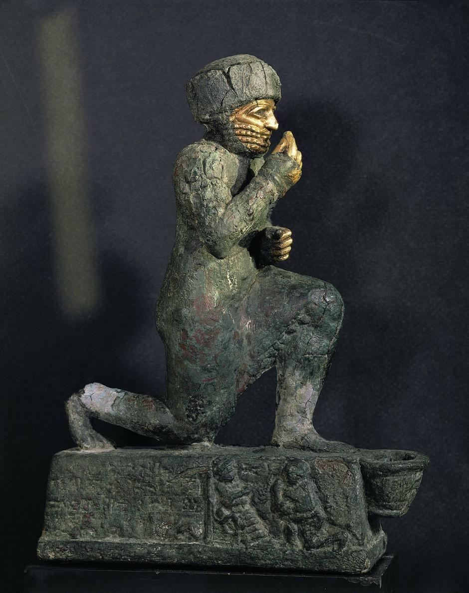 Plastik eines Betenden, möglicherweise Hammurapi – Bronze und Gold