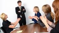 Sind Männer die besseren Chefs? Einige Frauen sagen: Ja.