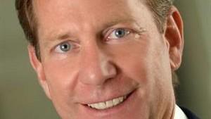 Ellis wird Internationaler Direktor