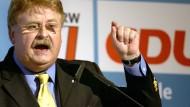 """Elmar Brok: """"Die Regierungschefs machen sich unglaubwürdig und lächerlich"""""""
