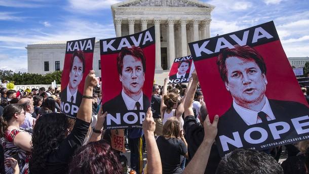 Senator erzwingt FBI-Untersuchung im Fall Kavanaugh