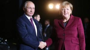 Trotz Ukraine-Konflikt reist Merkel zu Putin nach Russland