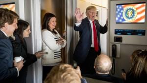 """""""Die Anklage gegen Papadopoulos hat Trump geschockt"""""""