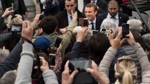 AfD und Linkspartei gratulieren Macron nicht