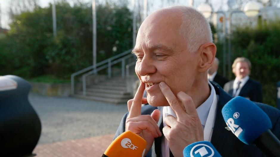 Das Ergebnis schöngelächelt: der saarländische AfD-Spitzenkandidat Rolf Müller