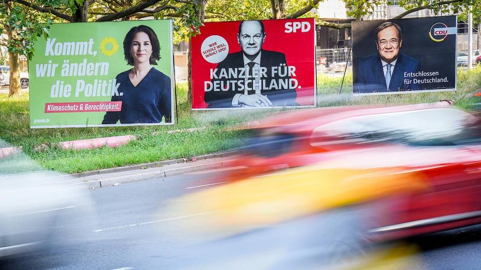 Die (schwierige) Wahl: Plakate in Berlin