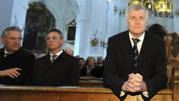Verzicht der Kandidaten zugunsten Seehofers zeichnet sich ab