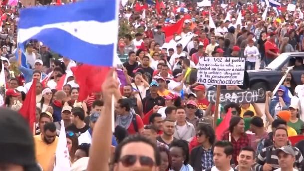Proteste wegen vermeintlicher Wahlfälschung