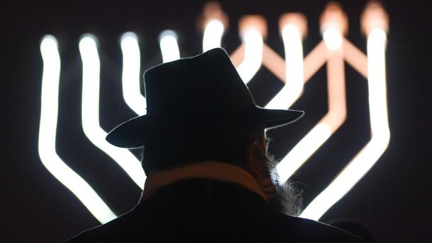 Doku über Judenhass zeigen