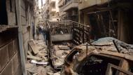 Die zerstörten Häuser von Aleppo. Wenn die Waffenruhe am Samstag eintritt, sollten zumindest hier keine Schüsse mehr fallen.