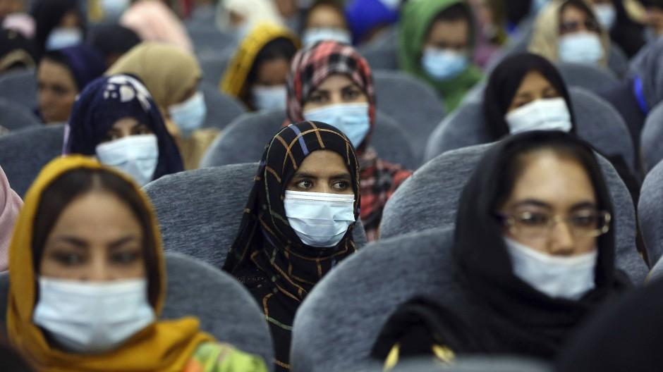 Deelgierte der Loya Dschirga am Freitag in Kabul