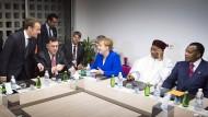 Spontane Krisenrunde: Macron und Merkel mit Vertretern der Afrikanischen Union
