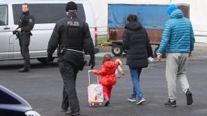 Bundestag beschließt härtere Regeln für Abschiebungen