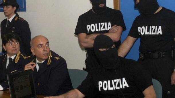 Polizei verhaftet Terrorverdächtige