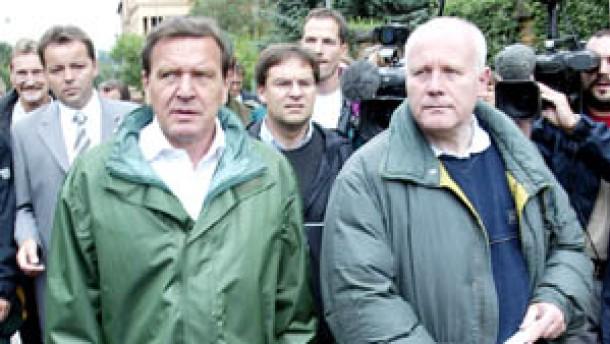 Schröder will Solidarpakt II vorziehen