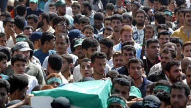 Annan fordert Israel zum Rückzug auf