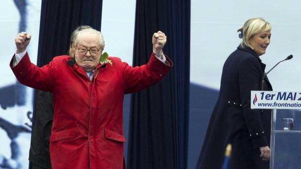Marine Le Pen sagt sich von ihrem Vater los