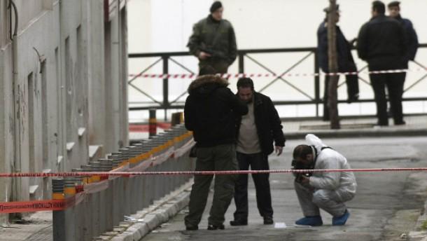 Athen: Polizist nach Schüssen in Lebensgefahr