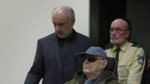 Richter droht mit Ausschluss von Verteidiger