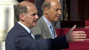 Regierungschef Simitis gibt Amt und Parteivorsitz auf