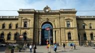 Tatort Hauptbahnhof Magdeburg: Rechtsextreme versuchten dort, die Wache der Bundespolizei zu stürmen.
