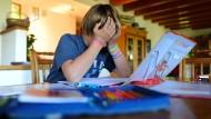 Hausaufgaben machen die Klugen klüger – und die Dummen dümmer