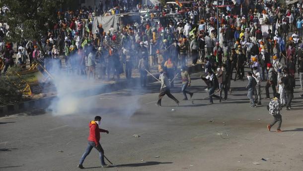 Heftige Zusammenstöße bei Bauernprotesten in Indien