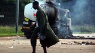"""Unruhen in Abidjan: """"Ein langer und schwerer Krieg"""""""