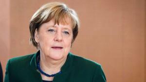 Merkel will deutlich mehr abschieben