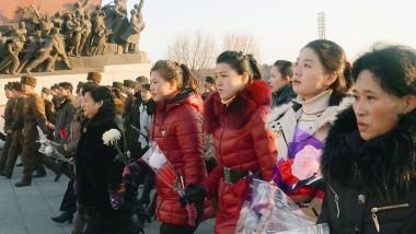 Statt 2000 Tonnen Reis: Blumen für den toten Führer Kim Jong-il