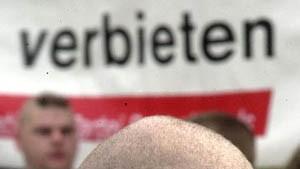 V-Männer und NPD-Verbot: Gebremst oder geschoben?