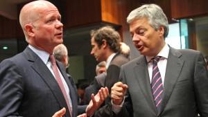 EU-Außenminister uneins über Waffenembargo