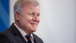 Seehofer legt umstrittenen Entwurf für kürzere Asylklageverfahren vor