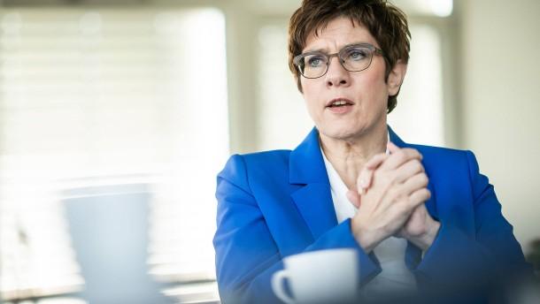 Kramp-Karrenbauer rechnet nicht mehr mit Wahl-Sonderparteitag