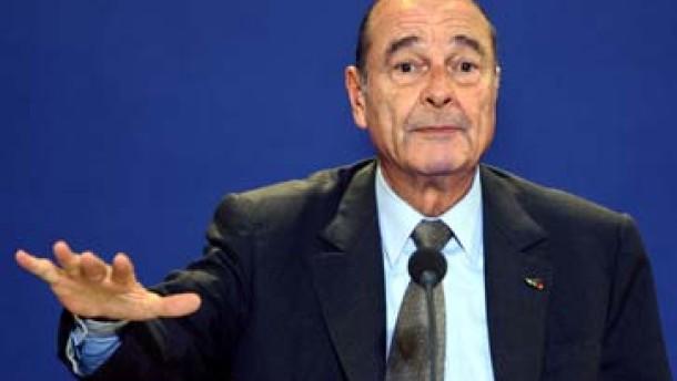 Chirac mahnt zur Ruhe