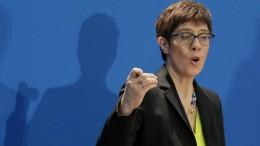 """Kramp-Karrenbauer will CDU """"mit neuem Stil zu neuer Stärke"""" führen"""