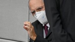 Schäuble hält an Maskenpflicht im Bundestag fest