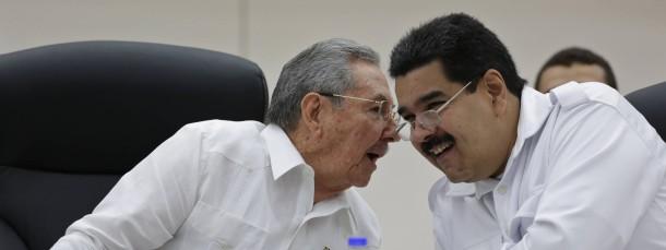 Bilder einer Freundschaft: Raúl Castro (l.) und der venezolanische Präsident Nicolas Maduro