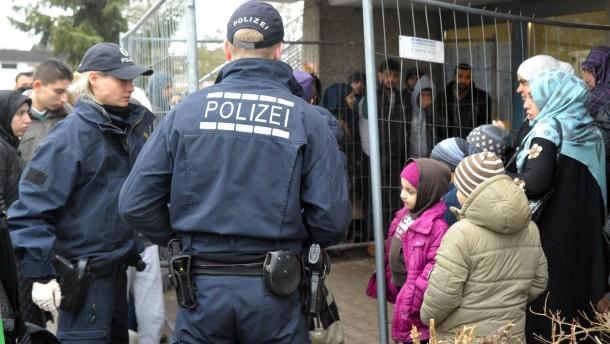 Polizei in Asylunterkunft