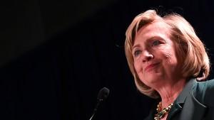 Warum Hillary vor Obama fliehen muss