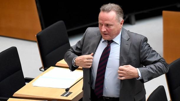 Pazderski fordert Ausschluss von AfD-Politikern