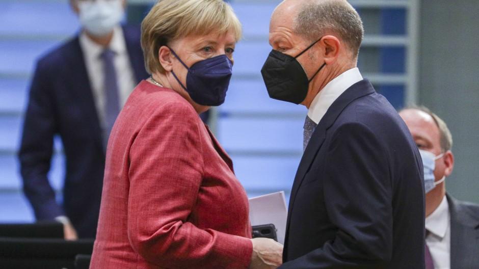 Die große Steuerreform blieb auch in dieser Legislaturperiode liegen: Kanzlerin Angela Merkel (CDU) und Bundesfinanzminister Olaf Scholz (SPD)