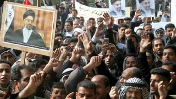 Amerikanische Luftwaffe greift Ziele in Bagdad an