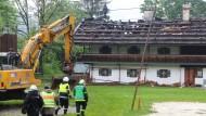 Das ausgebrannte Gästehaus in Schneizelreuth