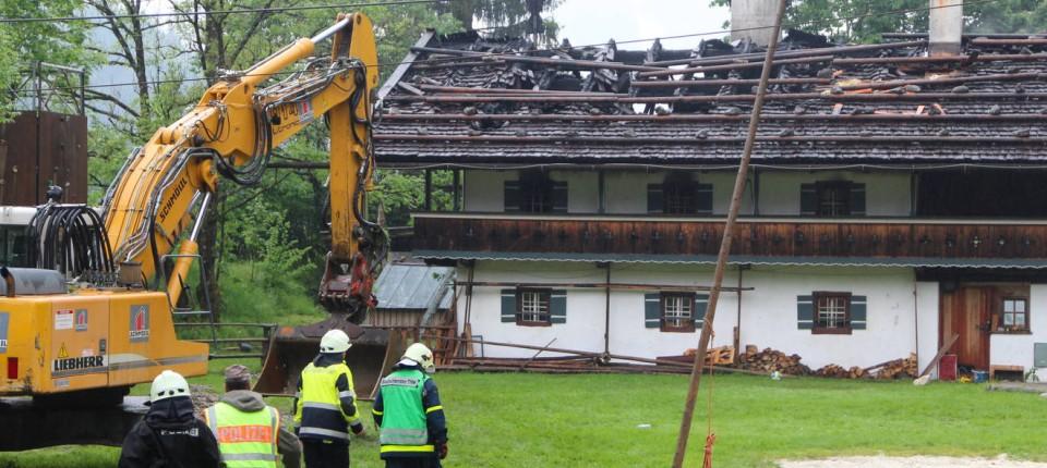 Bauernhaus Bayern brand in bauernhaus in bayern: opfer erlitten rauchvergiftung