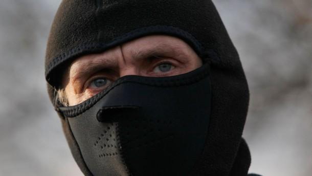 Der Kreml droht, Washington verteidigt