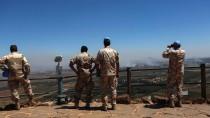 Umkämpfte Grenze zu Israel: Soldaten der UN-Friedenstruppe beobachten Kämpfe auf den Golanhöhen zwischen syrischen Regierungstruppen und islamistischen Rebellen