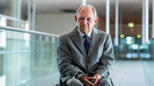 Schäuble kämpft weiter um Merz