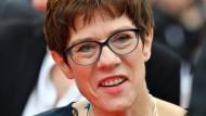 Abgrenzung gegen Rechts und Links: CDU-Generalsekretärin Annegret Kramp-Karrenbauer.