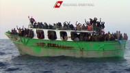 EU-Minister beschließen Militärmission gegen Schlepper